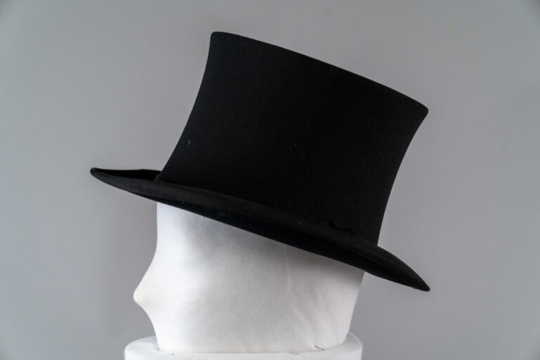 Photo of Collapsible Top Hat